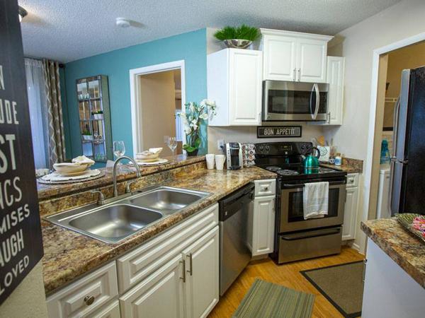 model-kitchen-600x450